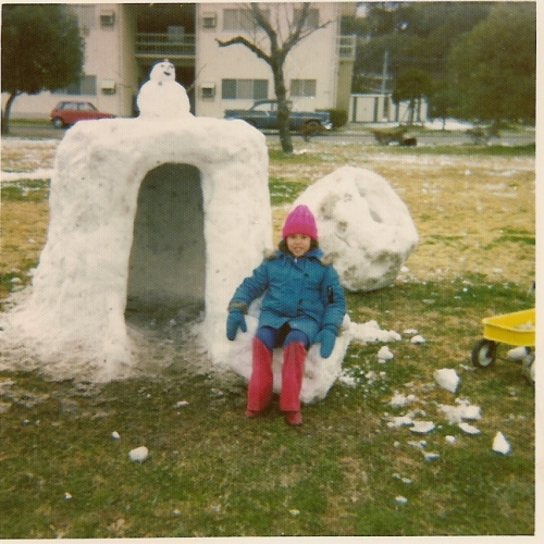 Little Karen and Snow Fort