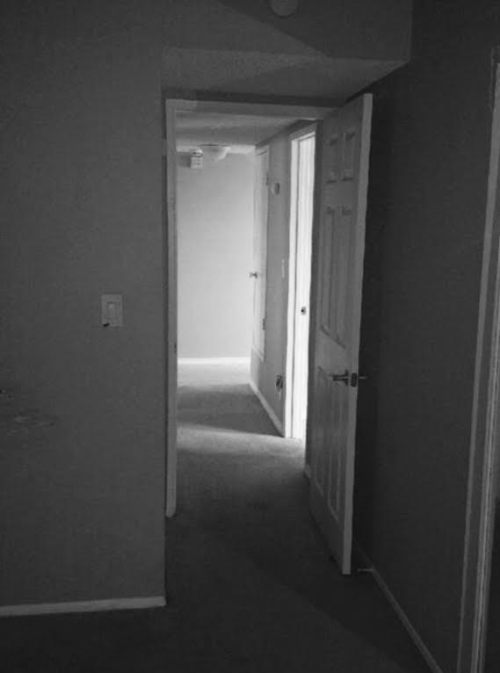 creepy Real estate photo3